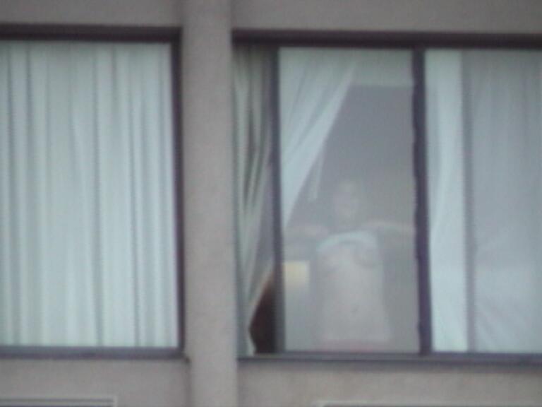 Hotel window flashing